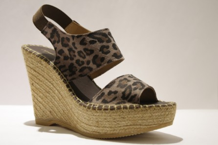 Platform espadrille in leopard leather