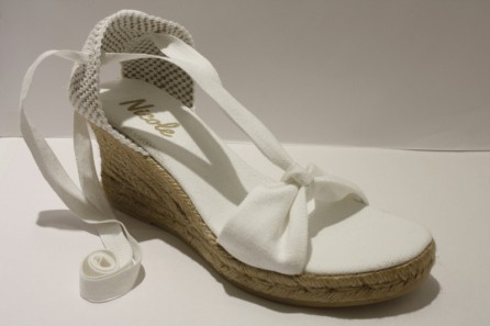 """Penelope"" Lace ups espadrille with medium heel"