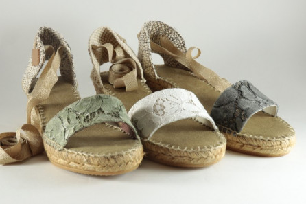 Women espadrille with lace