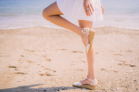 Lace espadrille with buckle