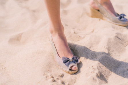Wedge espadrille with bow